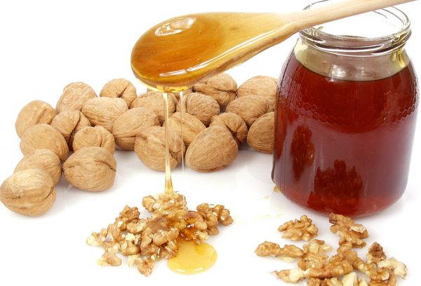 Мед с орехами