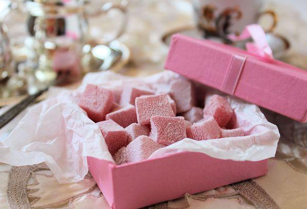 Домашний рахат-лукум в розовой коробке