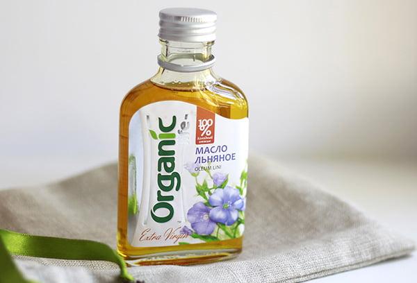 Бутылка с льняным маслом