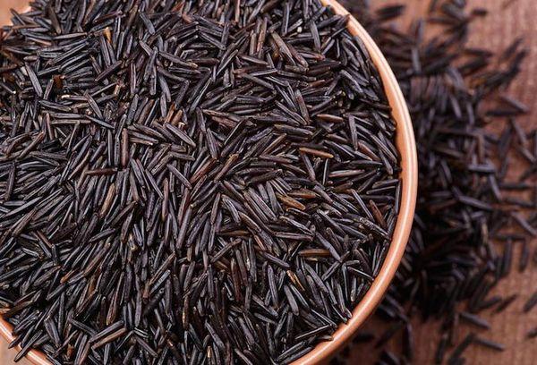 черный длинный рис