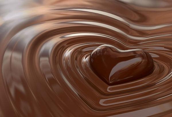 Шоколадная конфета в форме сердечка