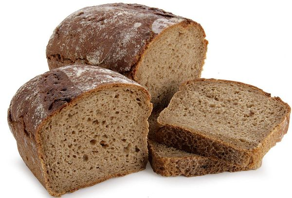 Бородинский нарезанный черный хлеб