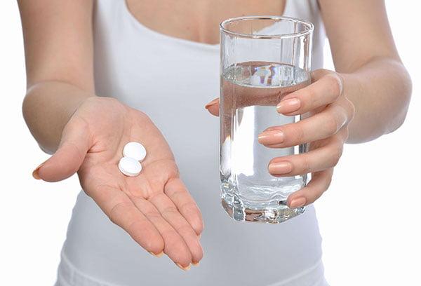 Прием таблеток янтарной кислоты
