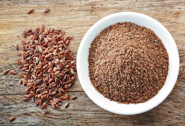 Целое и молотое льняное семя