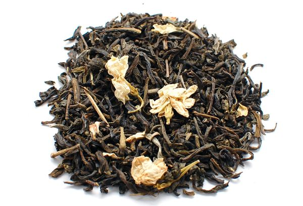 Сушеный чай с цветками жасмина