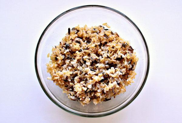 Приготовленный бурый рис