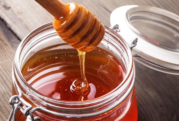 Свежий гречишный мед