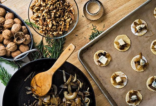 Приготовление еды с маслом грецкого ореха