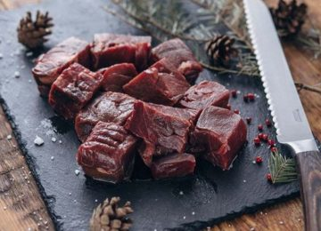 куски медвежьего мяса