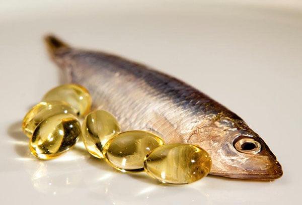Рыба и капсулы рыбьего жира
