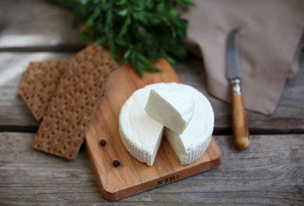 Головка адыгейского сыра