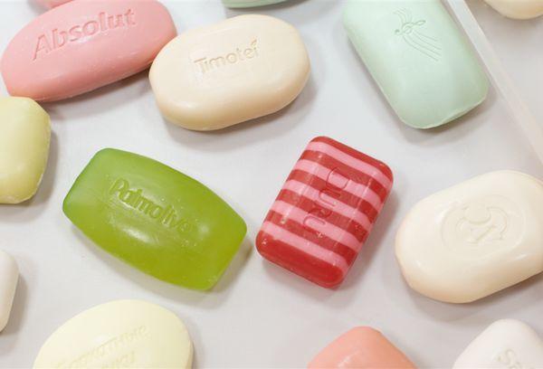 кусочки мыла разных производителей