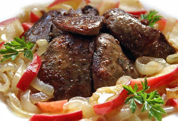 жаренная печёнка индейки с овощами