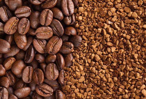 Кофейные зерна и растворимые гранулы