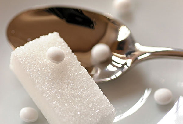 Сахар и сахарозаменитель