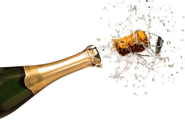 Вылет пробки шампанского