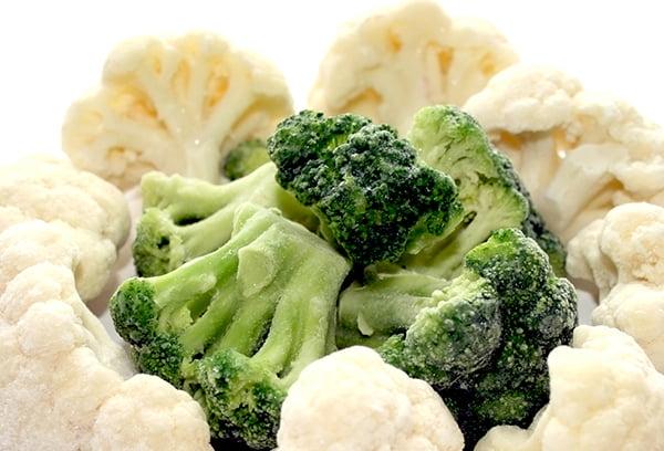 Замороженные брокколи и цветная капуста