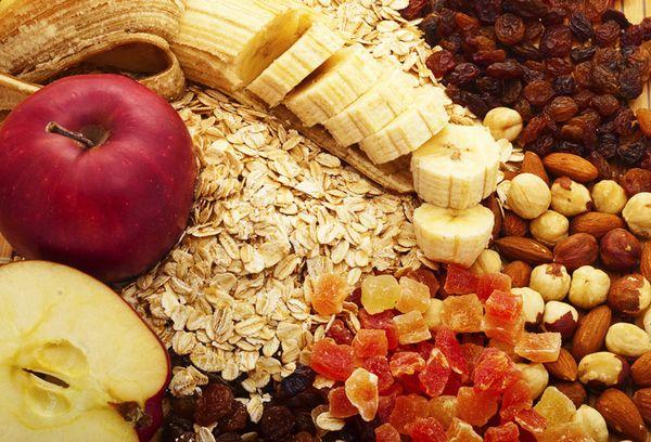 бананы, сухофрукты и геркулес