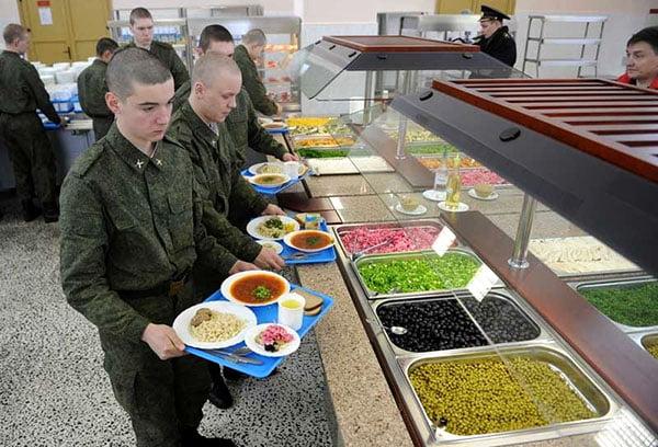 Обед в армии