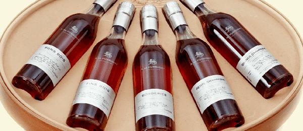 бутылки с коньяком
