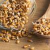 Ложка пророщенной пшеницы