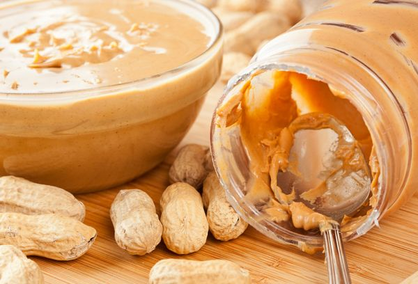 Арахисовое масло и орехи