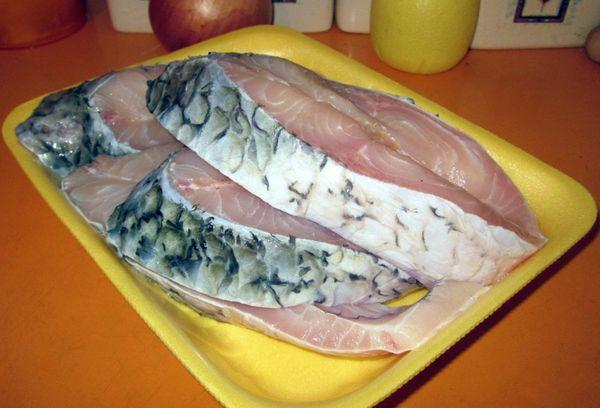 Рыба белый амур стейки