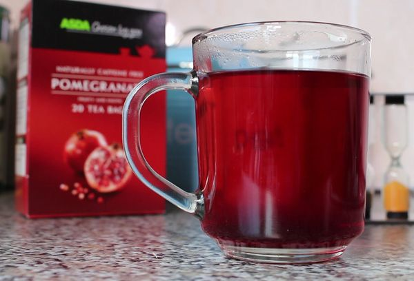 Стакан гранатового чая