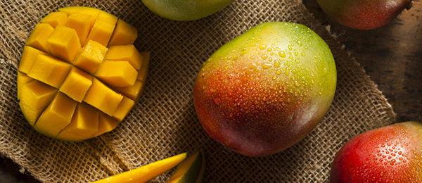 Спелые плоды манго