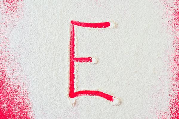 Добавка Е