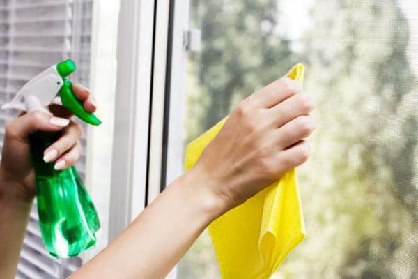 Мытье окон органическим раствором