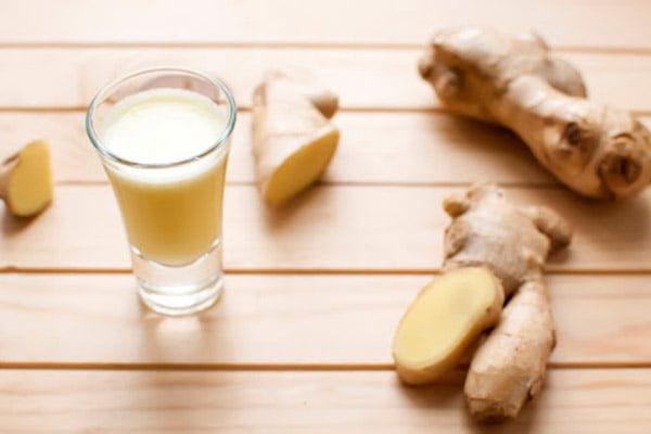 Средство на основе молока и имбиря от кашля
