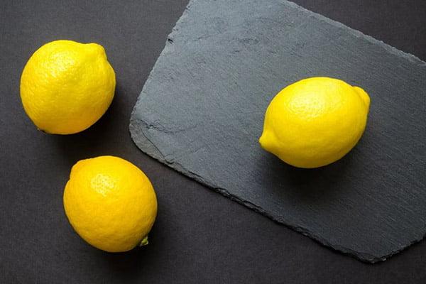 Три лимона