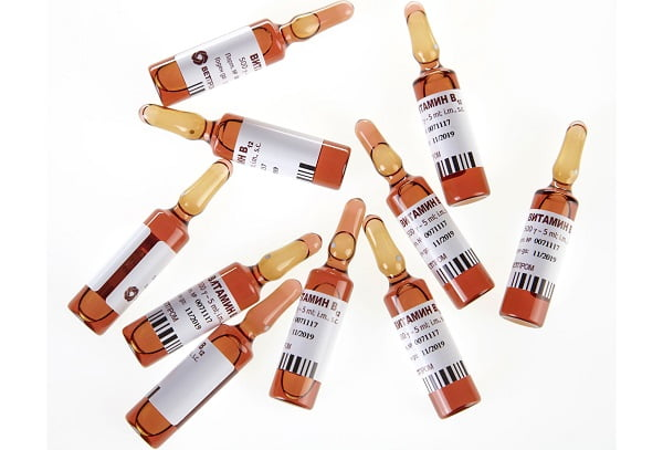 Витамин В12 в ампулах